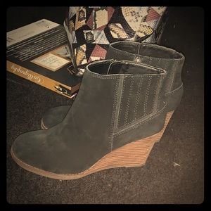 Lucky Brand wedged boots